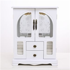 Jewelry box with doors