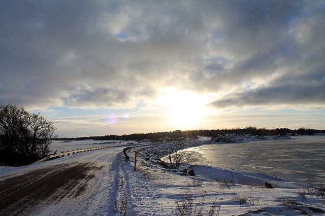 #discoverarchipelago #archipelago #finland #aland #island #igtravel #sea #winter #snow #ice #landscape #nature #freezing #photooftheday