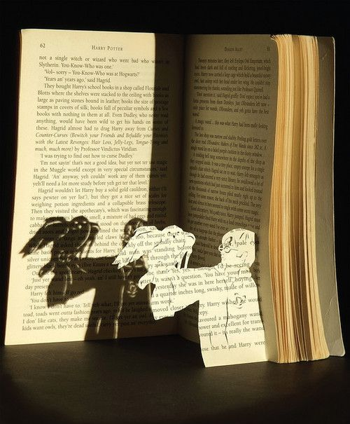 harry.: Book Art, Books Art, Awesome, Paper Art, Altered Books, Harry Potter Books, Harry Potter Art, Cut Outs, Shadows Art