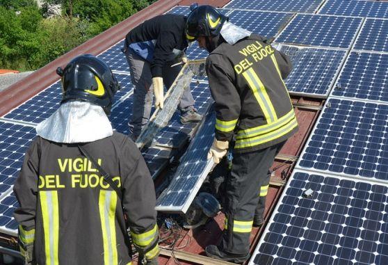 È successo in un'azienda agricola di Martignacco. Danneggiato l'impianto: http://messaggeroveneto.gelocal.it/udine/cronaca/2016/05/27/news/topi-mordono-i-cavi-fotovoltaico-in-fiamme-1.13545630