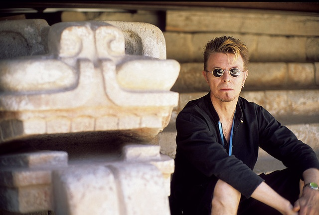 David Bowie at the pyramids of Teotihuacan in Mexico City on October 20, 1997, during his Earthling World Tour.  (C)Fernando Aceves