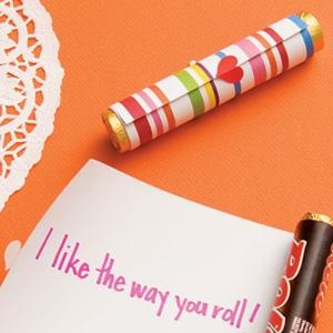 Cute DIY Valentine Idea: On-a-Roll Candy Scrolls
