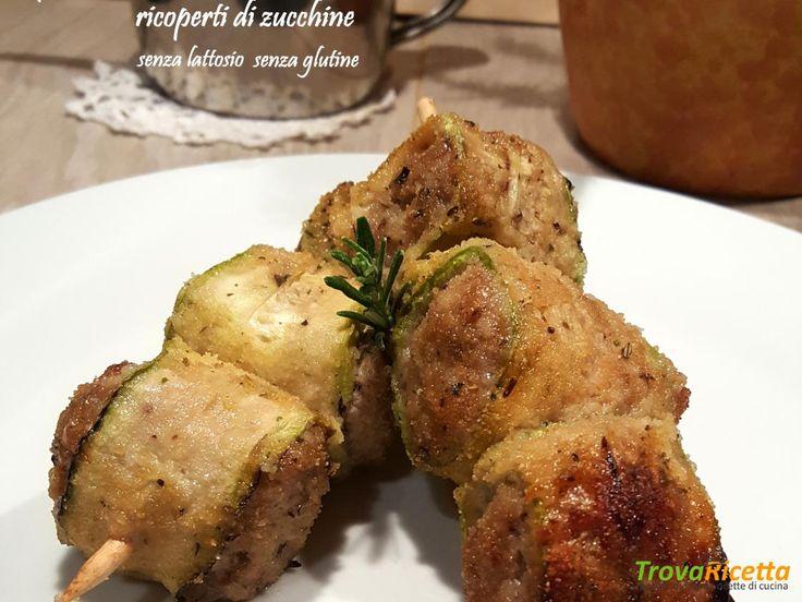 Spiedini con bocconcini di salsiccia e provola senza lattosio ricoperti di zucchine  #ricette #food #recipes