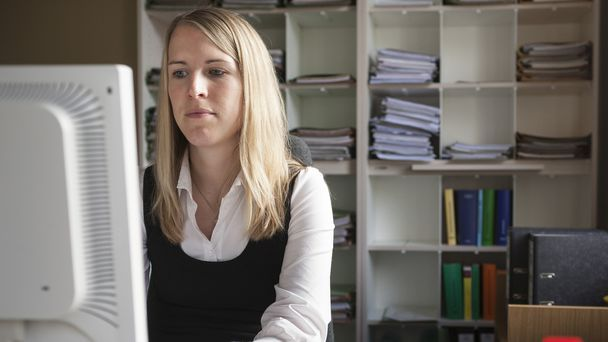 Worker Who Forgot Email Attachment Expects Coworkers To Forgive Her Just Like That - The Onion - America's Finest News Source
