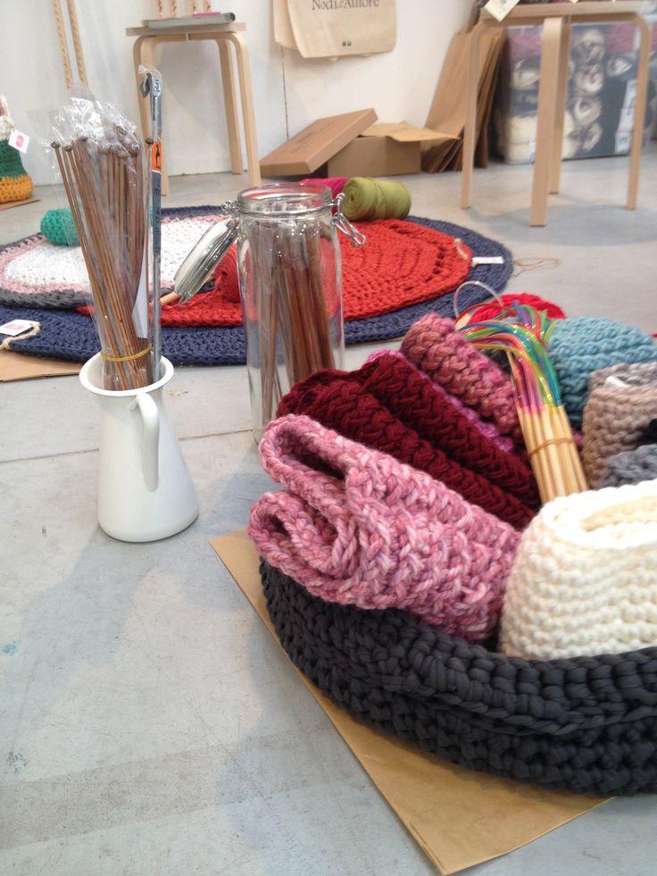 Simple fettuccia lavora per realizzare cesti tappeti e for Tappeti arredo