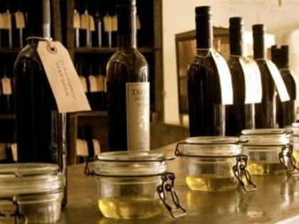 California's  St. Helena Olive Oil Co. is a purveyor of California olive oils, sea salts, vinegar and other pantry items that are of the highest quality organic ingredients available.  Corpo, mente e anima.