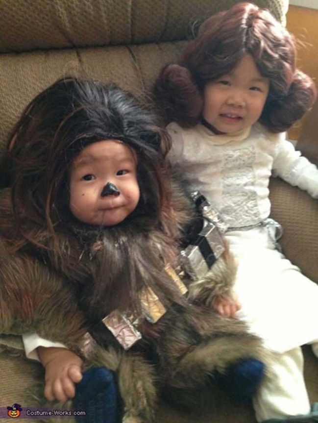 Halloween Costumes For Twins That Prove Spooky Can Be Cute For more ideas, click the picture or visit www.sofeminine.co.uk