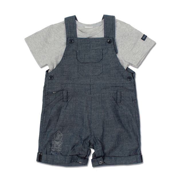 This lightweight little set from Max & Tilly is great for summer adventures!