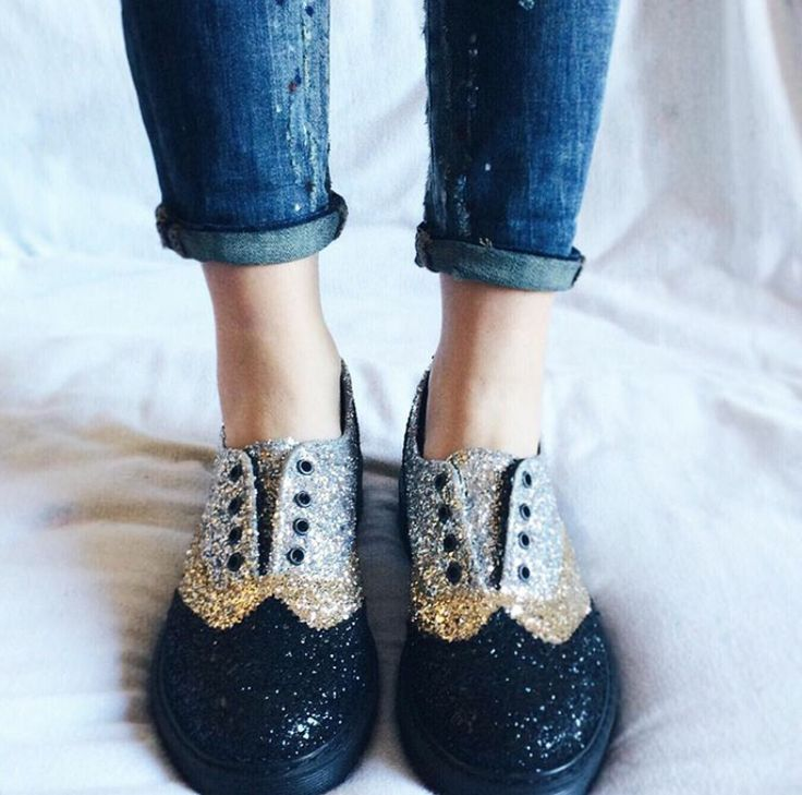Let your #2star shoes shine bright like a diamond!  www.2star.it   #english #model #lacelles #black #gold #silver #glitter #shoe #shoes #openwork #embroidery #sparkling #cool #beautiful #fall #winter #collection #woman #girl #instagood #instadaily