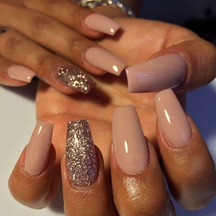 Ash Pink Nail Polish On Two Hands With Long Coffin Shaped Manicure The Ring Finger Nails Are Covered In Pink In 2020 Pastel Pink Nails Wedding Acrylic Nails Pink Nails