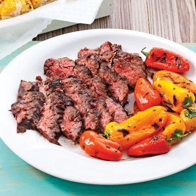 Bavettes de boeuf balsamique-porto et mini-poivrons grillés - Recettes - Cuisine et nutrition - Pratico Pratique