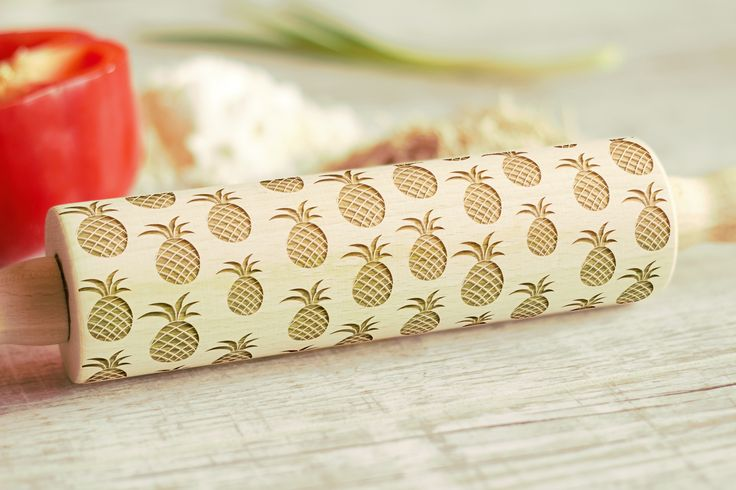 Wooden Engraved Rolling Pin Pineapple Pattern Unique Personalized