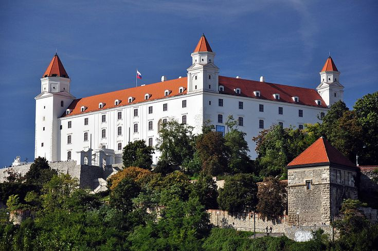 Bratislava Castle in Bratislava, Slovakia http://timeforslovakia.com/best-of-bratislava