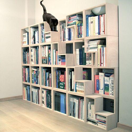 Biblioteca diseñada pensando en los gatos, de Corentin Dombrecht   10 Muebles para #gatos felices
