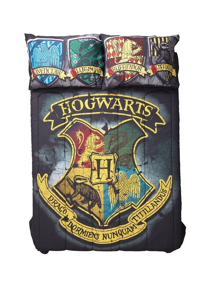 Harry Potter Distressed Hogwarts Crest Full/Queen Comforter | Hot Topic