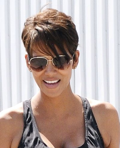 Halle Berry Short Hairstyles halle berry short pixie cut Best 25 Halle Berry Haircut Ideas On Pinterest Halle Berry Age Halle Berry Hair And Halle Berry Pixie