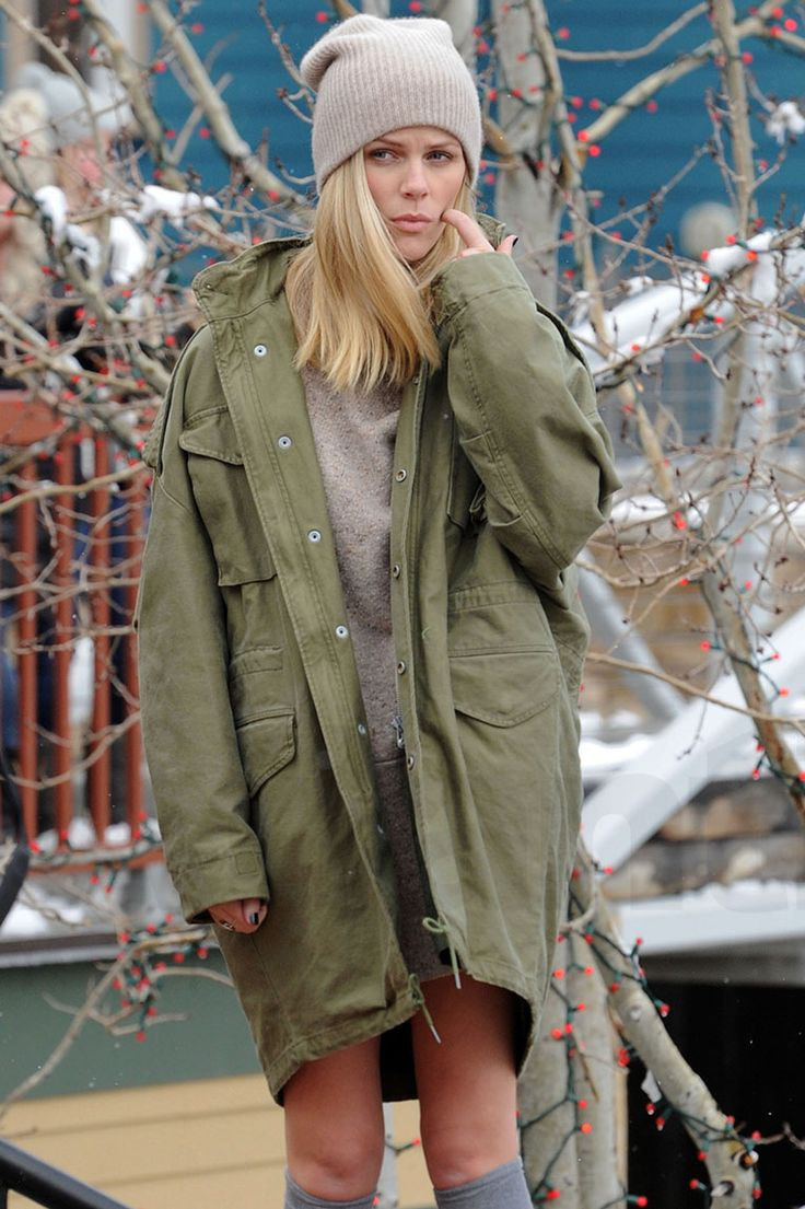 Sports Illustrated swimsuit model Brooklyn Decker ditched her bikini for a wooly hat in Park City.   • Celebrity WOTNOT  --------------- For further information on these stories and images please visit www.celebritywotnot.com. These Images are ©Atlantic Images. No use without permission.