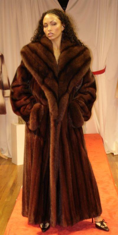 58 best Fur and More Fur images on Pinterest | Mink fur, Fur coats ...
