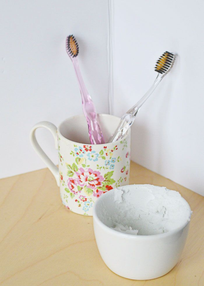 Healthier teeth with gold and silver + natural toothpaste recipe