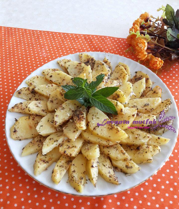 Yoğurt Soslu Fırın Patates