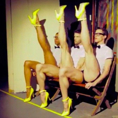 Men. Legs. Heels!!! . Because we should all be wearing Pumps!!‼️‼️