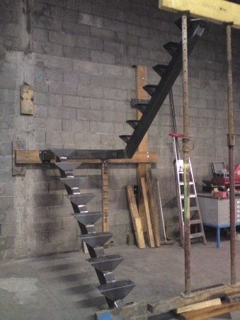 1432 best images on pinterest wrought iron projects and welding - Escalier 2 quart tournant haut et bas ...