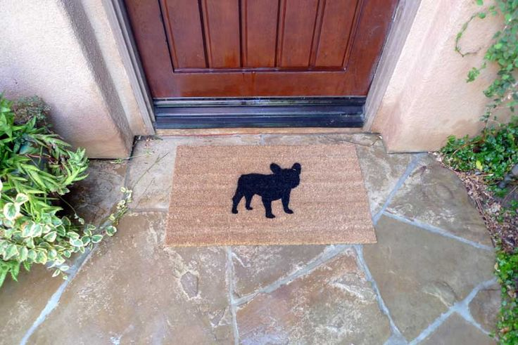 French Bulldog Door Mat - I could find a stencil and spray paint this.