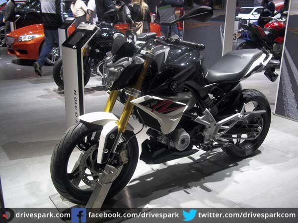 'Make In India' BMW G310R Shown Off At Auto Expo  #AutoExpo2016 #BMWMotorrad #BMW #MakeInIndia