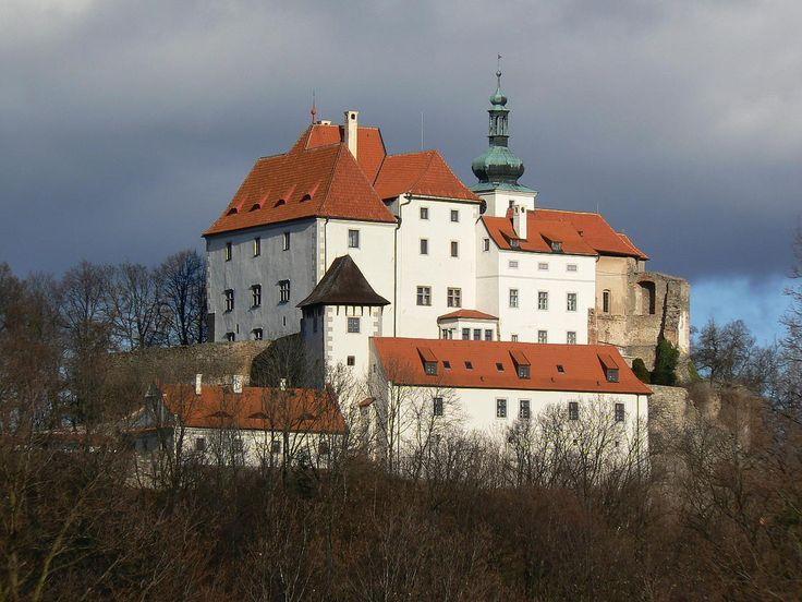 Česko, Vysoký Chlumec - Gotický hrad