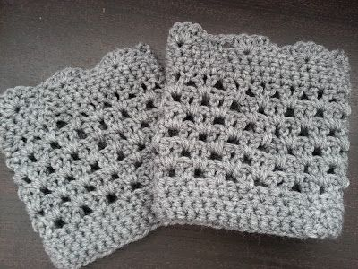 Lacy Scalloped Boot Cuff.  Revised pattern and much clearer instructions!