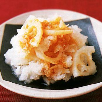 甘酢を使ってさっぱりと「れんこんのおろしあえ」のレシピです。プロの料理家・倉持光江さんによる、れんこん、大根などを使った、63Kcalの料理レシピです。