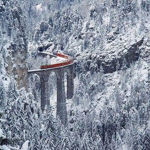 Le Glacier Express – Suisse | 21 des voyages en train les plus spectaculaires au monde