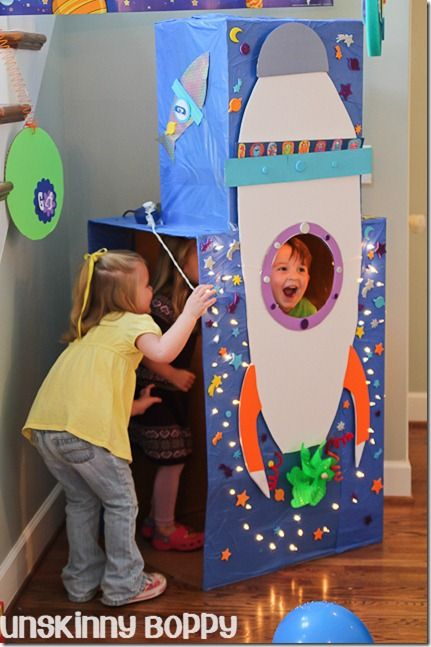 Blast Off rocket ship themed birthday party from @Beth Nativ Nativ Nativ ~Unskinny Boppy~