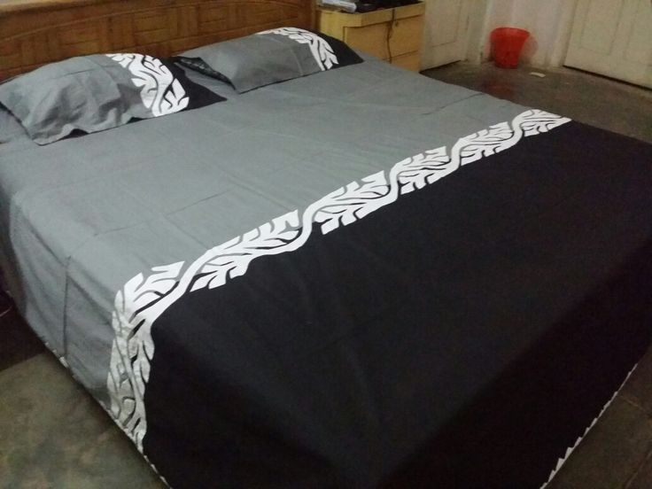 """Handmade Applique Bedsheet Fabric: Pure Cotton  Price: 4500 PKR Size: King Size (108"""" by 98"""") Piece: 3 piece  Make to order  Making time  30 to 40 days  For order confirmation please contact us or wattsap us at 03312080951"""