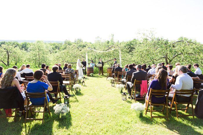 Mariage dans le verger Jude-Pomme au Québec