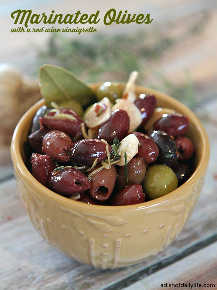 Blog post at A Dish of Daily Life : Don't pay olive bar prices when you can make your own marinated olives with ingredients you probably already have in the house!    Hap[..]