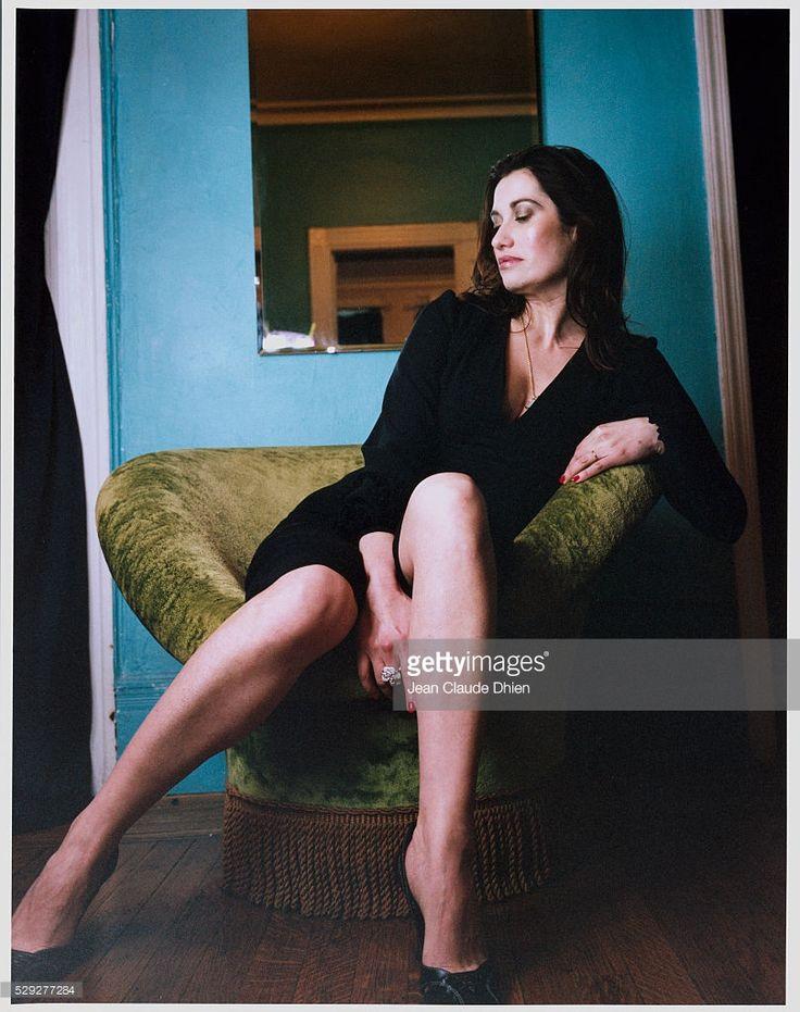 les 25 meilleures id es de la cat gorie emmanuelle devos sur pinterest simone veil femme. Black Bedroom Furniture Sets. Home Design Ideas
