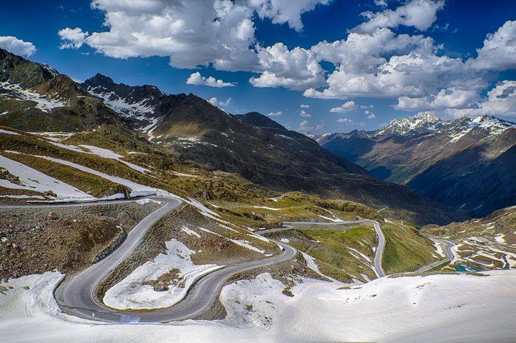 Winding road - Kaunertal Austria