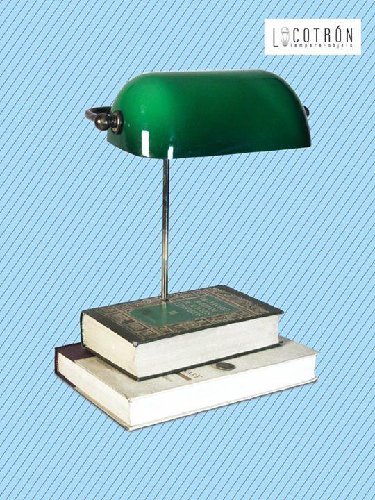 LÁMPARA VINTAGE  Colección: De Libros Modelo: Biblioteca Dimensiones: Altura 40 cm Ancho 30 cm Fondo 23 cm Encendido:Touch Precio: $1800