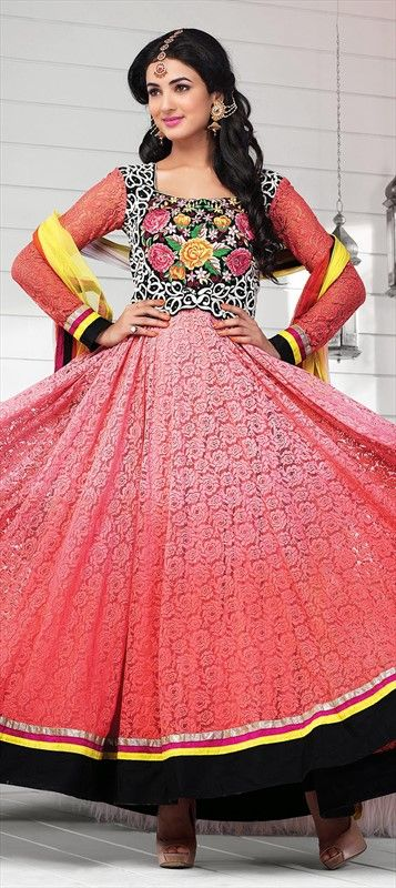 405892: #Bollywood #SonalChauhan #anarkali #Lace #getthislook #actress