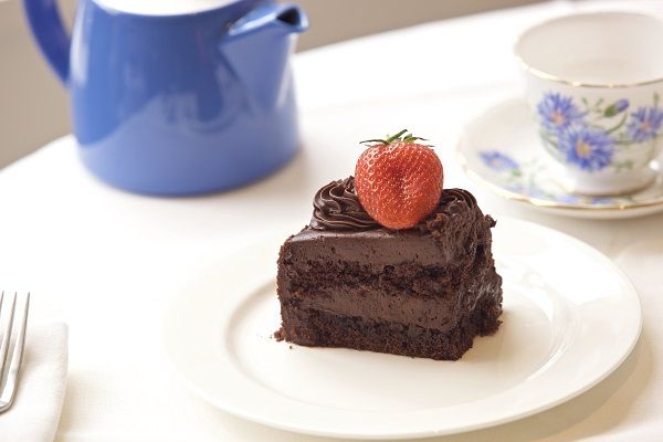 Jak's Delicious Chocolate Strawberry Cake