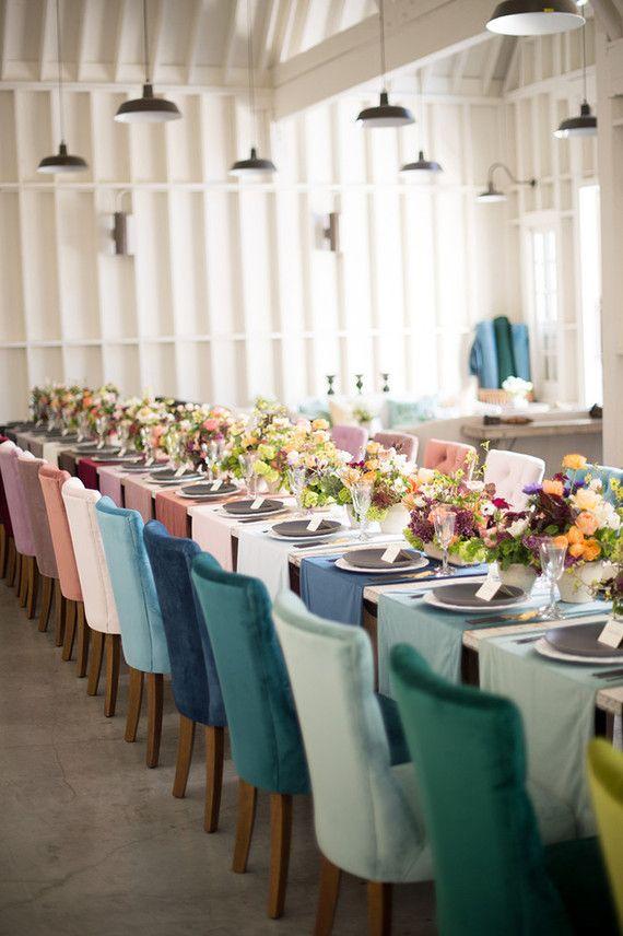 Who said every thing has to be the same? Really loving the color scheme and the matching table runners!