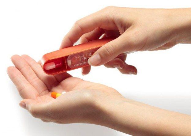 Tabletten gegen Bluthochdruck, Kapseln gegen Rheuma und ein Saft gegen Husten – vor allem ältere Menschen müssen oft täglich mehrere Medikamente schlucken. Die Apothekerinnen und Apotheker in Bayern helfen mit ausführlicher Beratung, damit die Patienten nicht den Überblick verlieren.