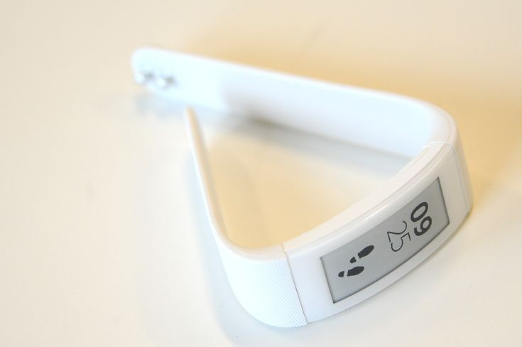 The SmartBand Talk crosses the line from mere fitness band to smartwatch. | #smartwatch #Sony #IFA2014 #epaper #wearable #fitness