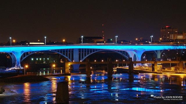 Bridge lighting ideal for Monorail