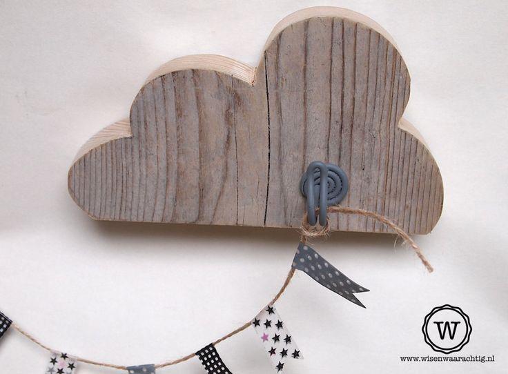 Steigerhouten #kapstokje #wolk, super voor de #babykamer