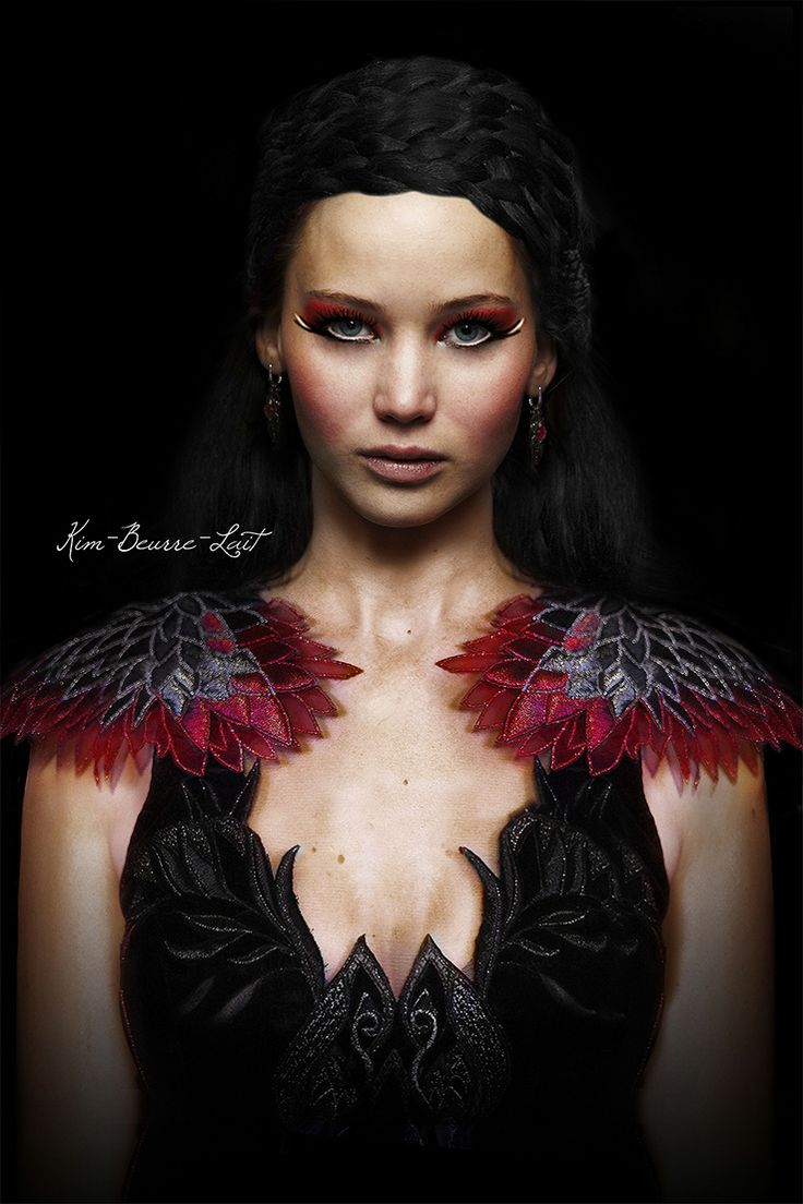 Katniss Everdeen (The Hunger Games) Isn't that dress (and her whole look!) just gorgeous??? <3