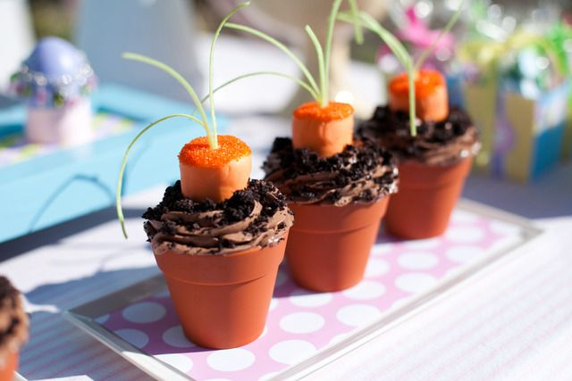 Marshmallow carrot chocolate cupcakes for Easter -- so cute!