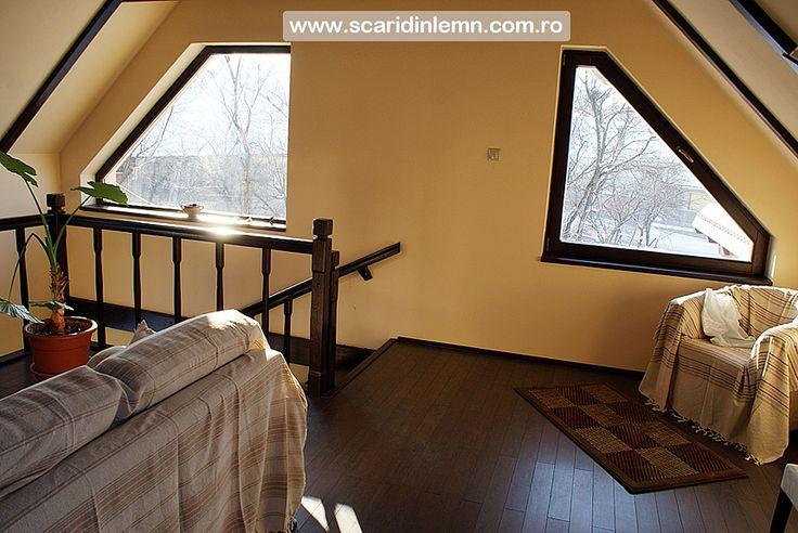 scari interioare din lemn masiv cu un vang modular mana curenta si balustrii de lemn preturi calitate