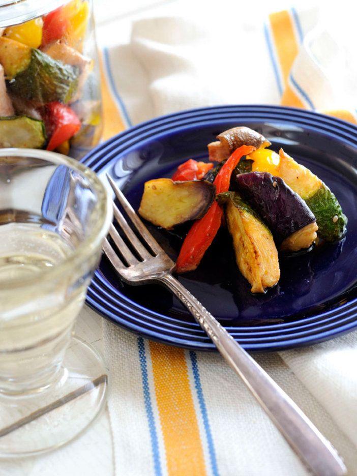 それぞれの素材の食感を楽しみがら味わえる、ごろごろ野菜のマリネ。|『ELLE a table』はおしゃれで簡単なレシピが満載!
